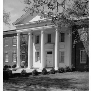 Alumni Memorial Building, North Carolina State College