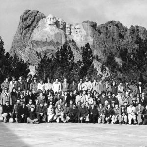 Theta Tau members posing at Mount Rushmore National Monument during the 1976 national conference