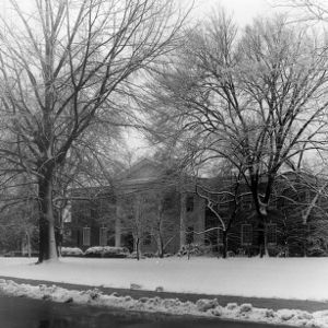 Alumni Memorial Building, snow day