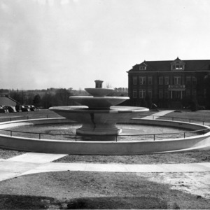 Fountain in front of Diesel Engineering Building