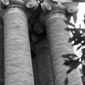 Winston Hall columns