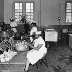 Kitchen staff preparing vegetables in Leazar Hall, North Carolina State College