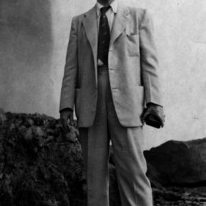 Gerald Erdahl at Niagara Falls