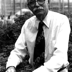 Dr. Walton Gregory