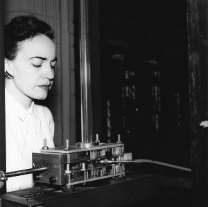 Professor Frances Richardson with engineering research equipment