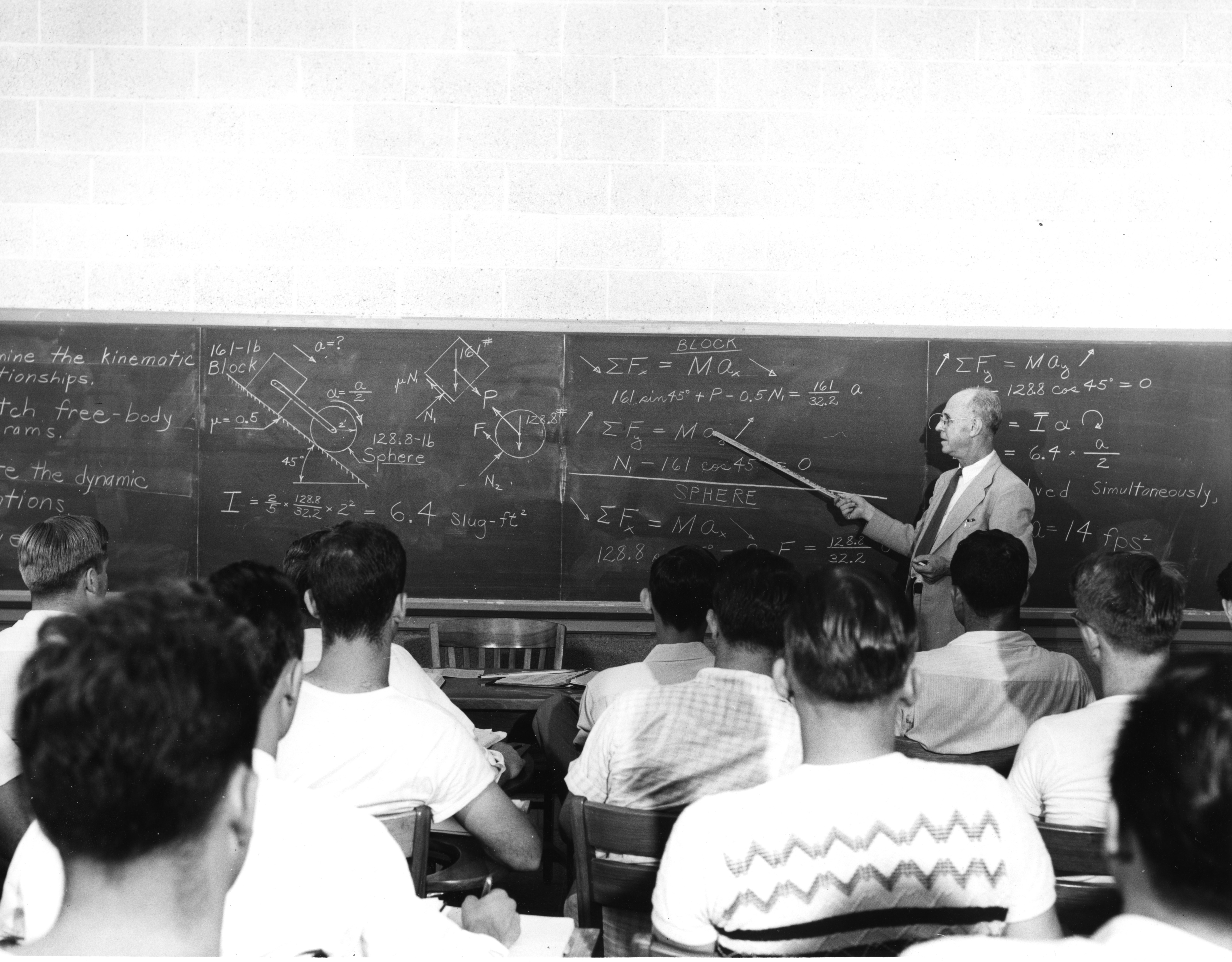 Unidentified professor instructing students, 1950s?
