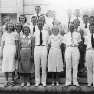 4-H Honor Club, 1938 Short Course group photo, including M. Edmund Aycock