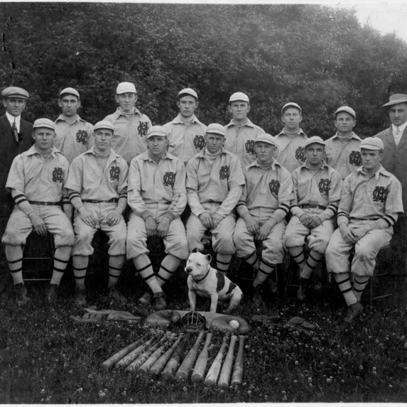 Baseball team with mascot, Togo, North Carolina College of Agriculture and Mechanic Arts.