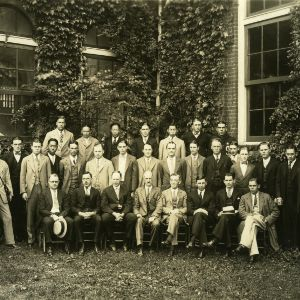 Textiles senior class and faculty in front of Tompkins Hall