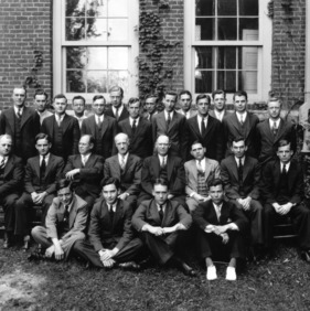 Senior class of 1933 with faculty in front of Tompkins Hall