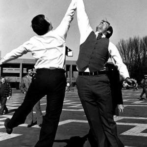 Sigma Alpha Mu, 1981 Bounce for Beats tip-off