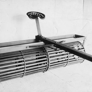 """T"" bar roller (7-foot, 2-section), front view"