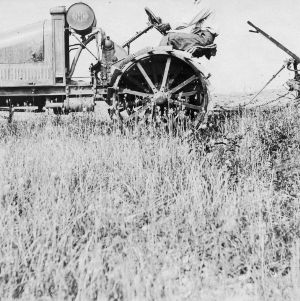 Tractor plowing, Raleigh, North Carolina, June 1918