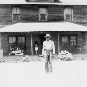William Ratcliffe and his home, Wadesboro, # 3, Anson County, June 1937