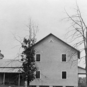 Modern tobacco pack house designed, built, and used by Mr. E. G. Moss, superintendent of the tobacco test farm in Oxford, North Carolina, July 1928