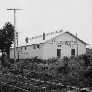 Farmers' Federation sweet potato curing house, Forest City, North Carolina
