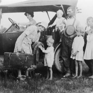 Mother of eight joins farm tour. Mrs. Ernest Sledge joins farmers' tour through Shenandoah Valley, Washington, Baltimore, and eastern Virginia, August 29, 1927