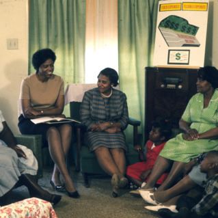 African-American women discuss home economics