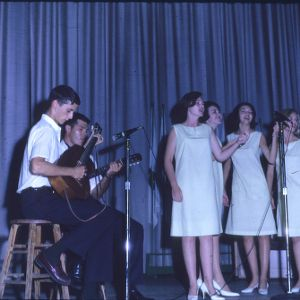 4-H Club week group performance