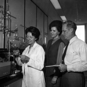 Mary K. Head and others in lab