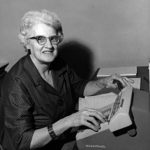 Susan Herring Jeffries at typewriter