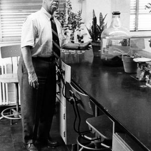 Dr. G. Ray Noggle in lab