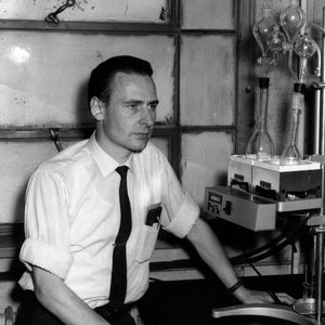 Hans Stadelmaier with research equipment