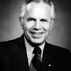 Dr. E. T. York