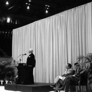 Frank Lloyd Wright giving speech at NC State College