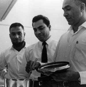Pakistani students cooking