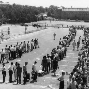 Long line for Registration Day