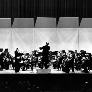 Front view of entire orchestra