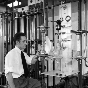 Dr. D. S. Arnold investigating agitation effects on liquid extraction