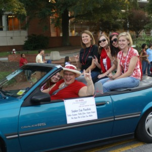 2008 Homecoming Parade, Mindy Sopher