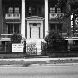Front view with gate detail, Bellamy Mansion, Wilmington, North Carolina