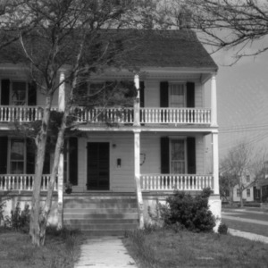 Front view, Jacob Henry House, Beaufort, North Carolina