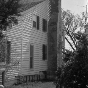 Side view with chimney, Jacob Henry House, Beaufort, North Carolina