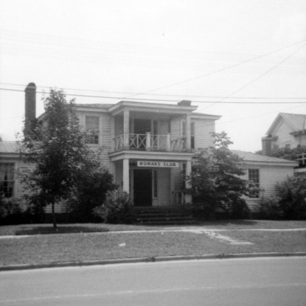 Front view, Peebles House, Kinston, North Carolina