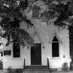 Front view, Grace Episcopal Church, Trenton, Jones County, North Carolina
