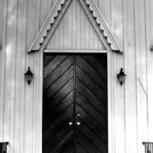Front doorway, Grace Episcopal Church, Trenton, Jones County, North Carolina