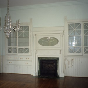 Interior view with fireplace, McLean-Singleton House, Red Springs, Robeson County, North Carolina