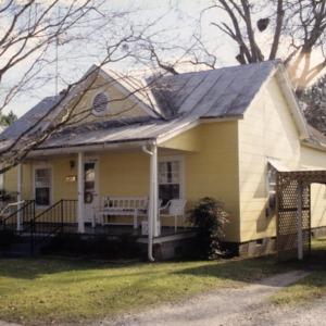Front view, 404 East Elliott Street, Edenton Cotton Mill Village, Edenton, Chowan County, North Carolina