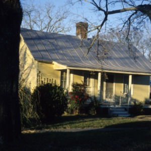 Front view, 405 Elliott Street, Edenton Cotton Mill Village, Edenton, Chowan County, North Carolina