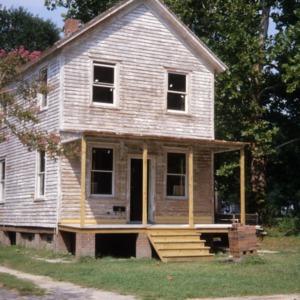 Front view, 405 King Street, Edenton Cotton Mill Village, Edenton, Chowan County, North Carolina