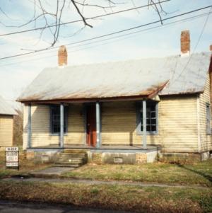 Front view, 413 Phillips Street, Edenton Cotton Mill Village, Edenton, Chowan County, North Carolina