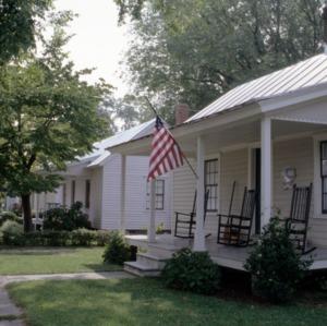 Front view, 408 Queen Street, Edenton Cotton Mill Village, Edenton, Chowan County, North Carolina