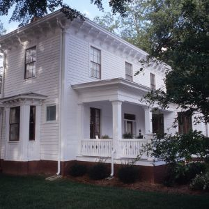 Side view, Bagley-Daniels-Pegues House, Raleigh, Wake County, North Carolina