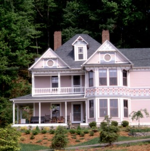 Front view with bay windows, Hayes House, Blowing Rock, Watauga County, North Carolina