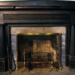 Interior fireplace, Somerville-Graham House, Warrenton, North Carolina