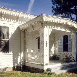 Exterior millwork, Worrell House, Murfreesboro, North Carolina